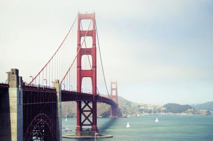 goldengatebridge red