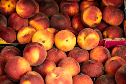 peaches market