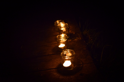 tealights dark