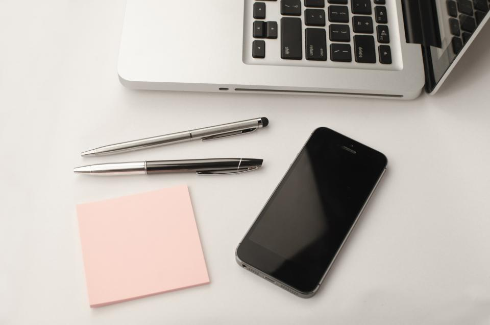 laptop apple keyboard technology mac application software hardware sticky notes pen notes pink iphone black
