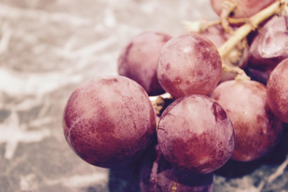red grapes fruits food healthy