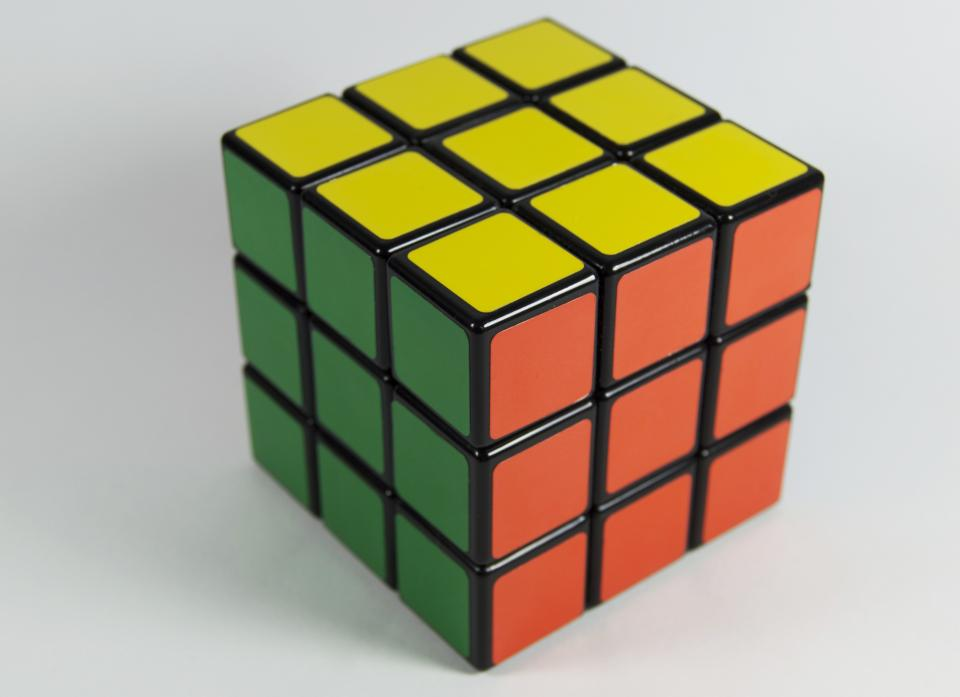 rubiks cube toy game colors puzzle mind think solve patterns