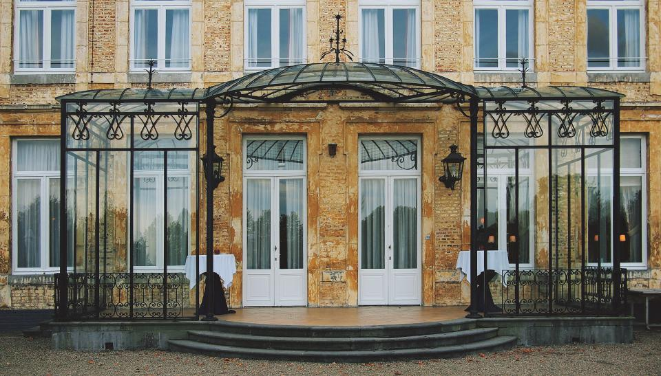 St Gerlach Chateau restaurant architecture building doors windows entrance canopy steps bricks