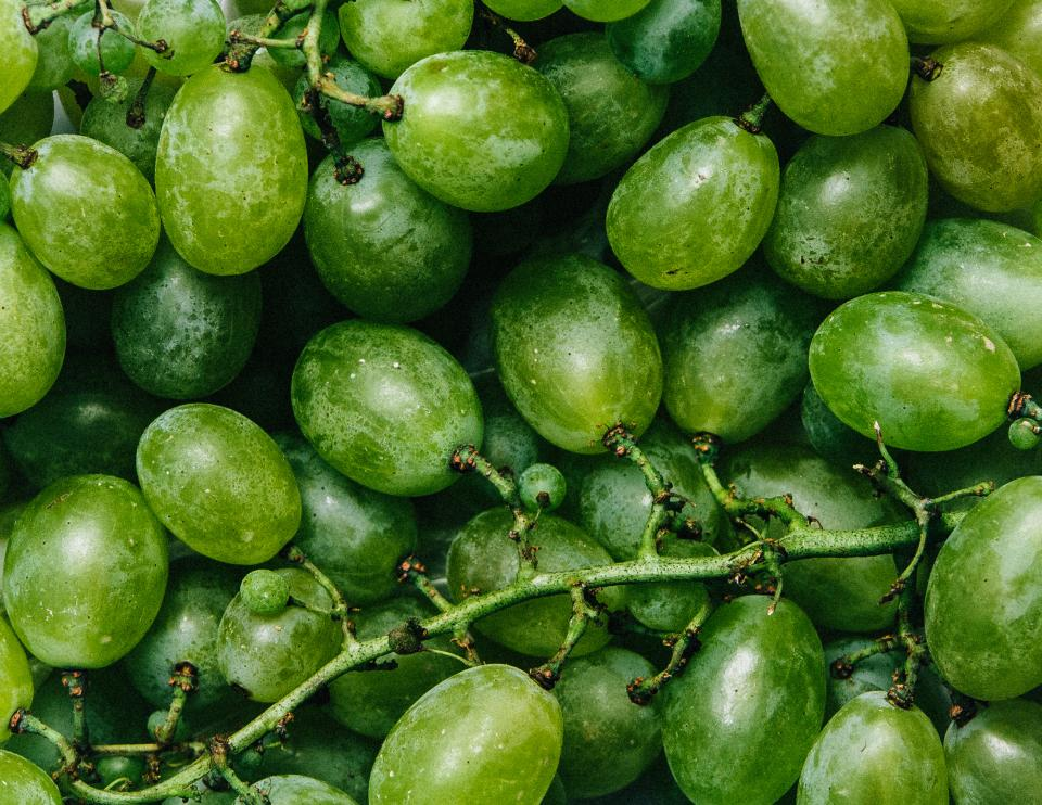 green grapes fruits food healthy