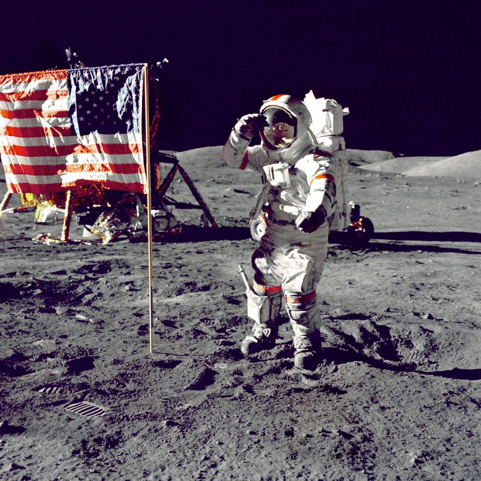 space moon flag astronaut dark gravity united states democracy sovereignty