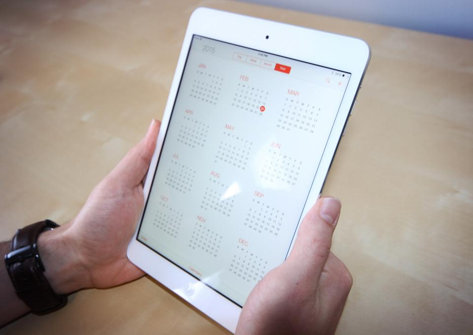 ipad tablet calendar desk business technology