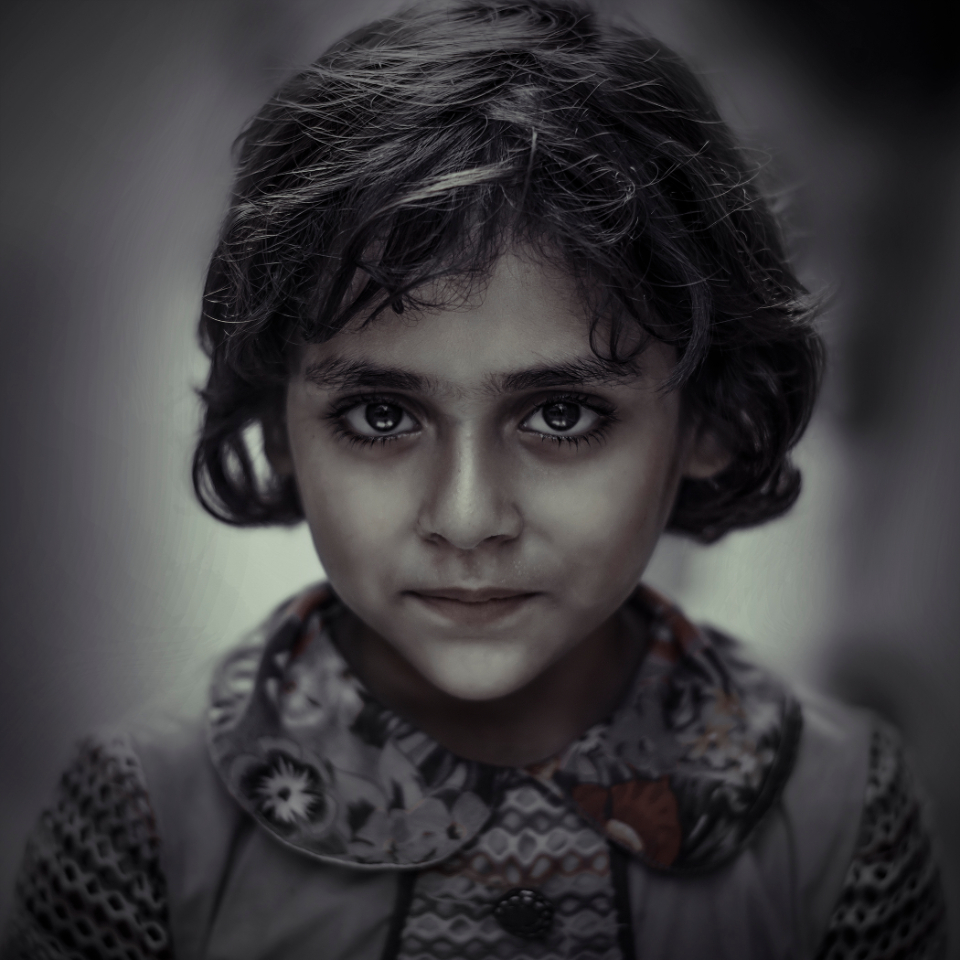 girl drama eyes gray portrait child kid box qasim sadiq rough hairs dark eyes deep eyes scattered alone focus
