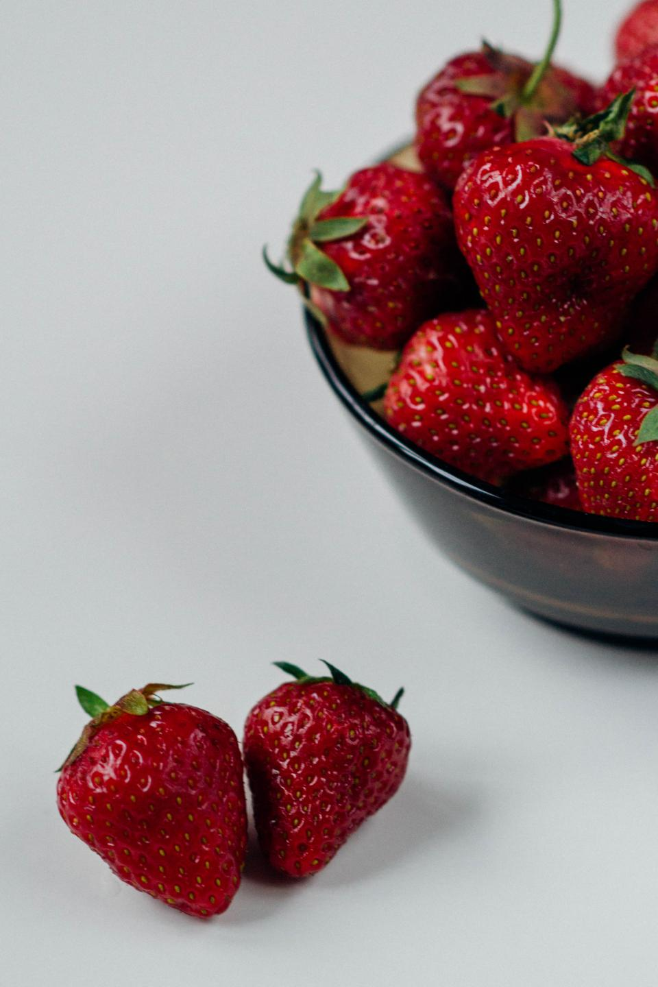 strawberries fruits healthy food red