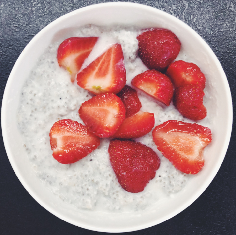 breakfast chia seeds chia pudding strawberry berries fresh yogurt food