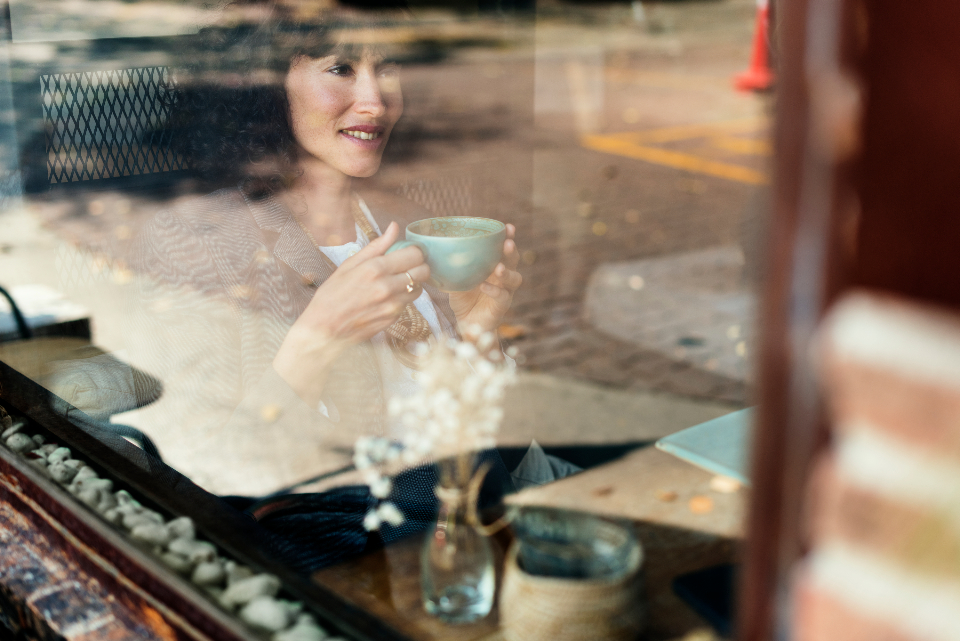 cup coffee leisure table restaurant drinks break beverage pastime woman cafe reflection