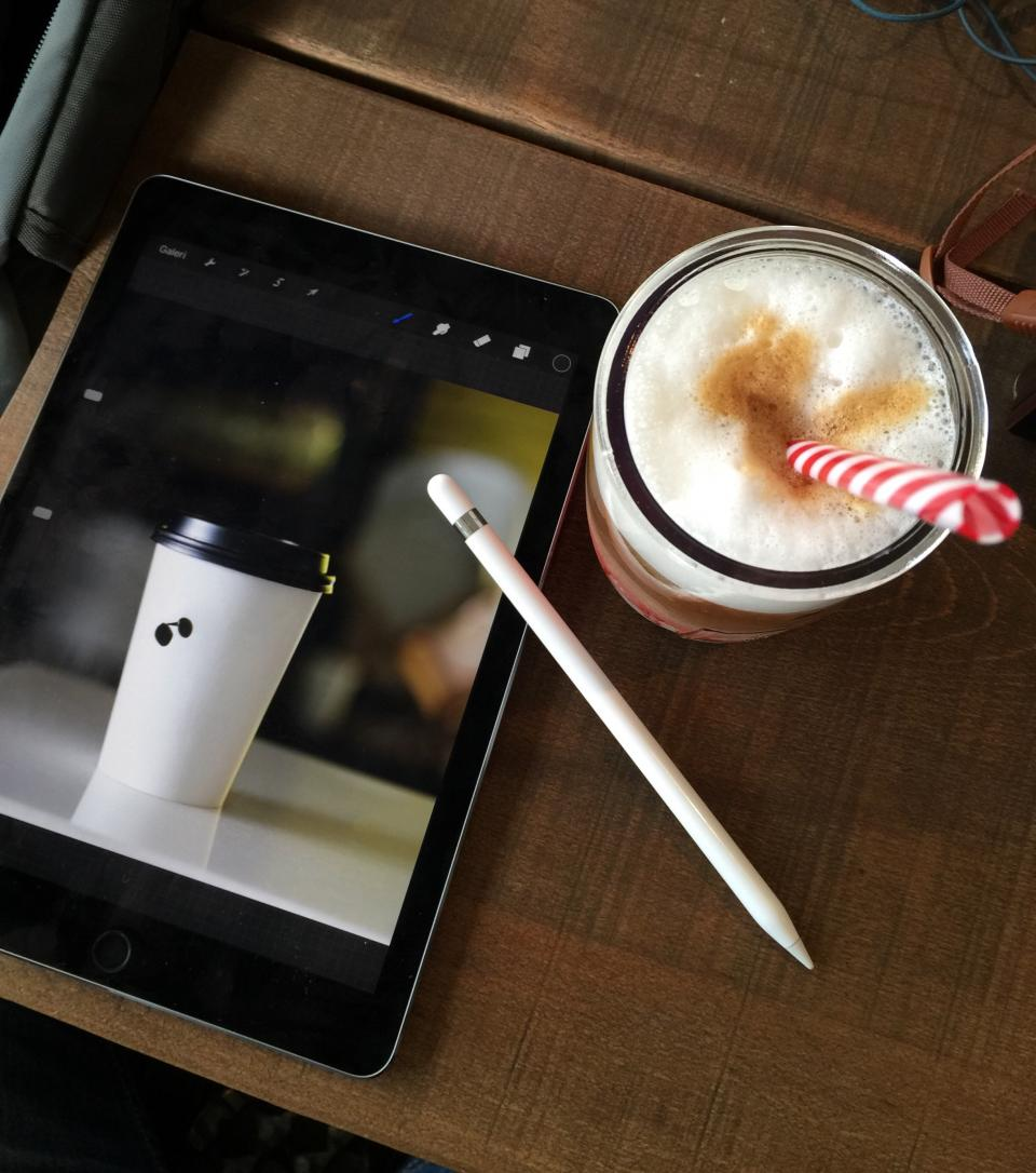 coffee cafe tablet pen table shop relax chill straw foam