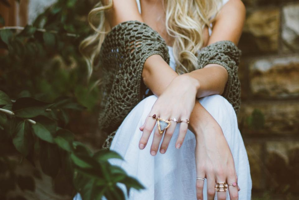 hands rings jewelry fashion accessories girl woman people blonde plants leaves nature beauty