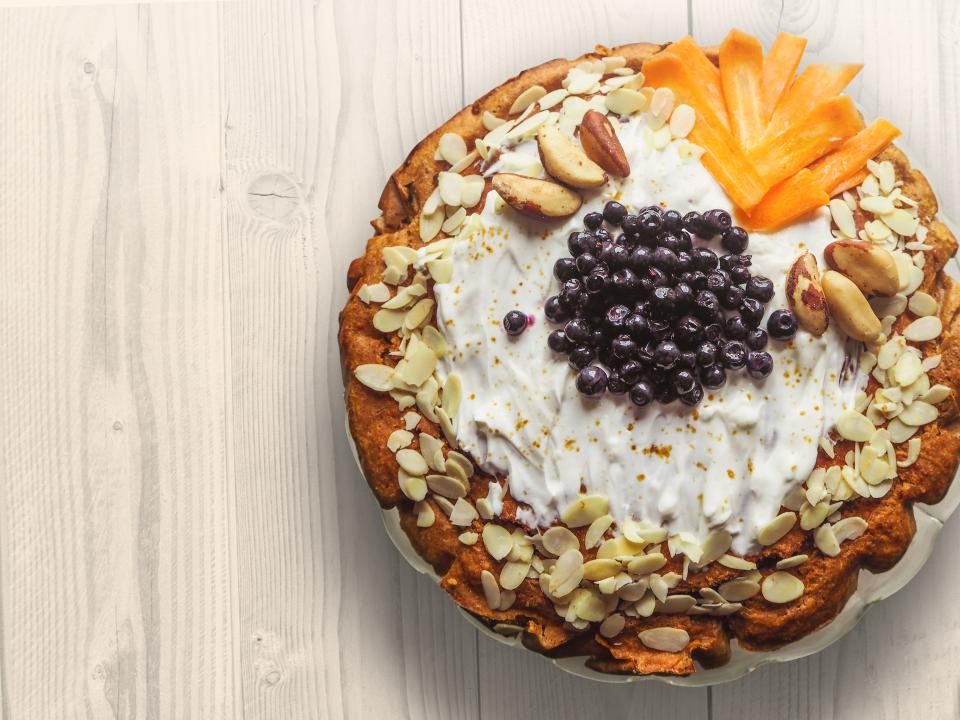 cake dessert fruits peanuts cream pie
