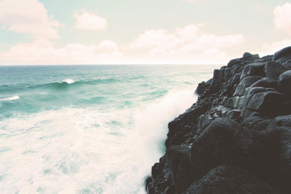 beach ocean sea waves water horizon rocks coast shore landscape nature sky sunshine summer