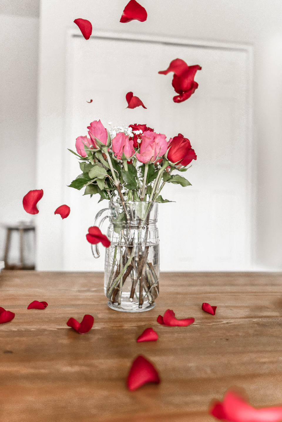 love valentine's day valentine valentine's flowers heart flower red rose rose petals petal bouquet pink romantic candy candy hearts holiday light bokeh heart bokeh romance bloom girl wallpaper background love background couple sweet flatlay c