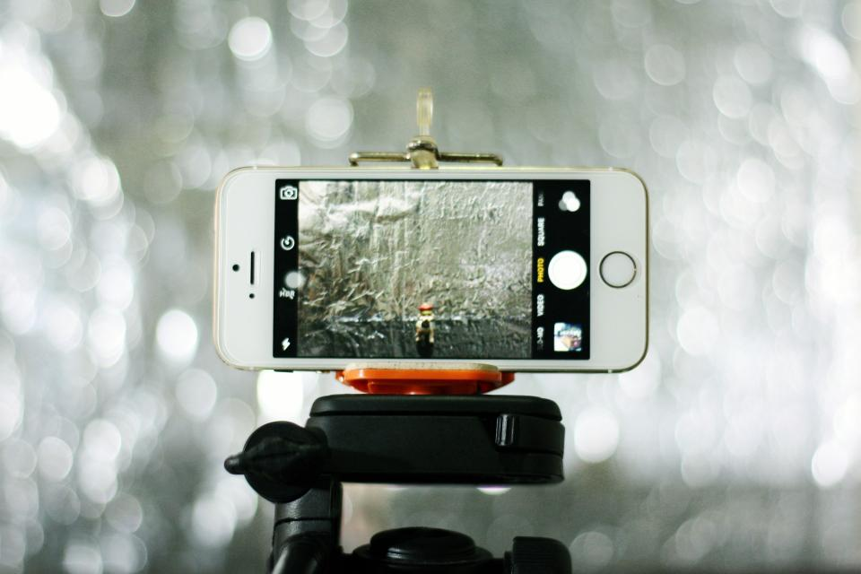 iphone apple mobile phone gadget technology bokeh photography