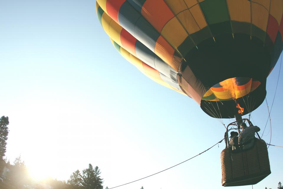 hot air ballon up rope basket sun sky fly fire colors