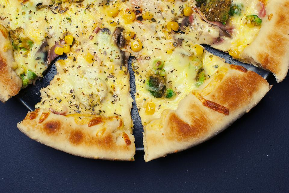 pizza cheese crust food lunch dinner