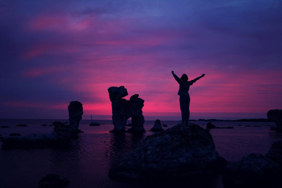 purple pink sky sunset dusk silhouette shadow rocks ocean sea horizon landscape nature