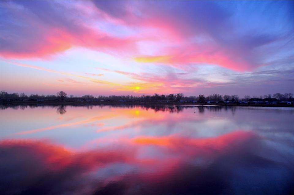 pink sunset dusk sky lake water reflection clouds