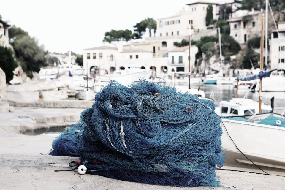 fishing net rope harbor harbour port boats sailing docks houses city town