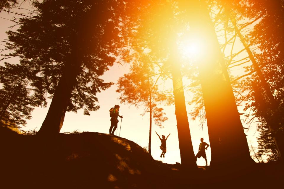 mountain hiking climbing people girls man adventure outdoor trees plants nature landscape sunrise sunset sunshine sunlight
