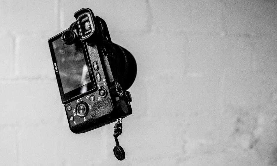 camera photography sony black and white monochrome grayscale
