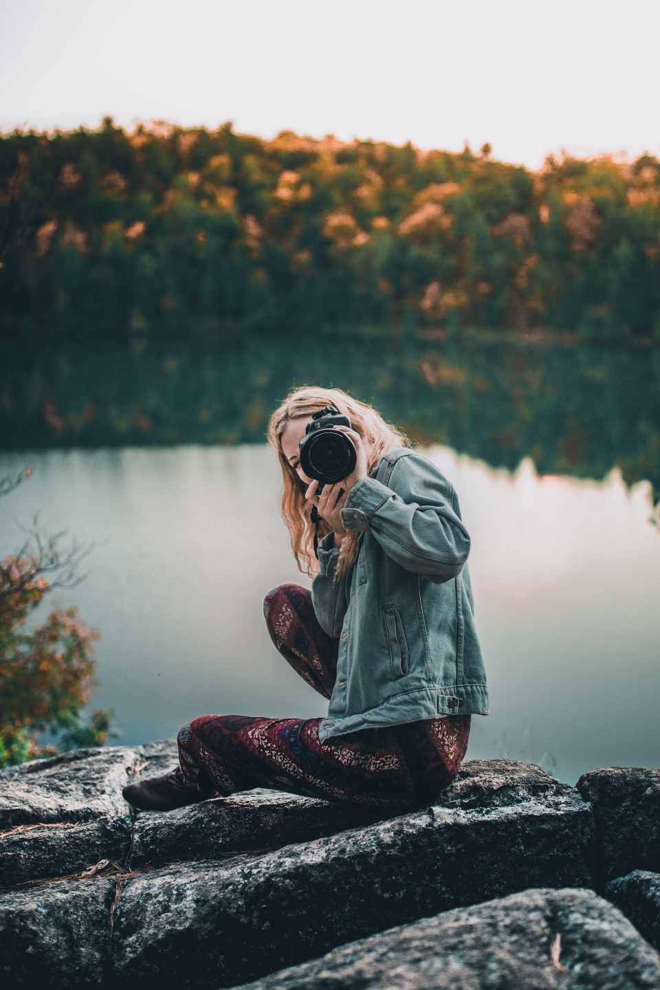 girl blonde cute pretty landscape earth ottawa ontario travel forest fall photographer photograph camera canon lens cliff female woman lady lake water nature