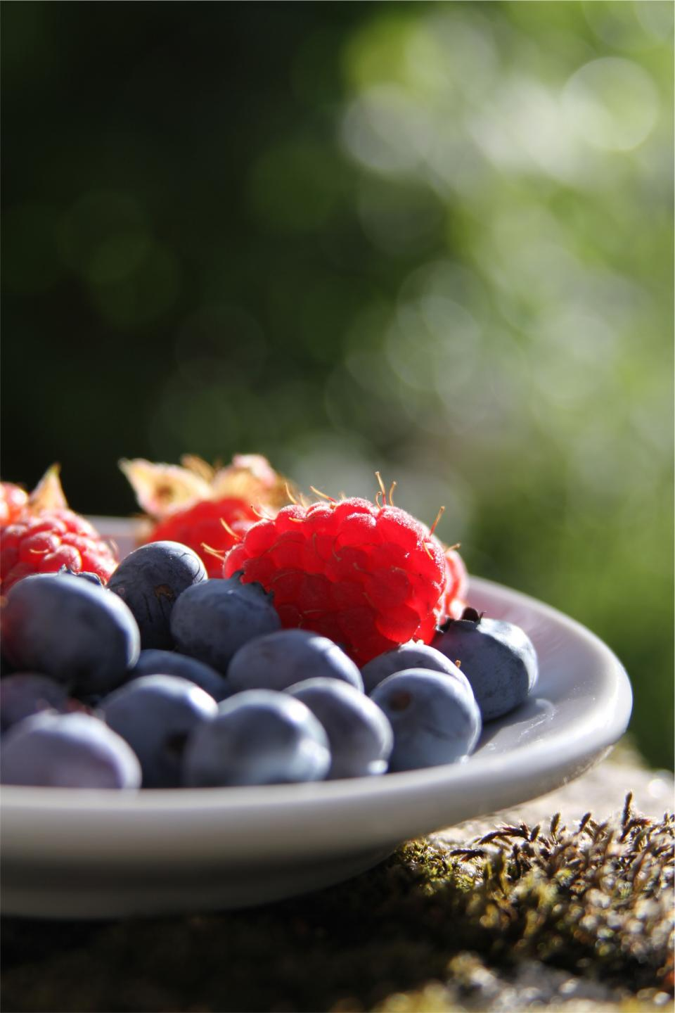 blueberries raspberries fruits food healthy
