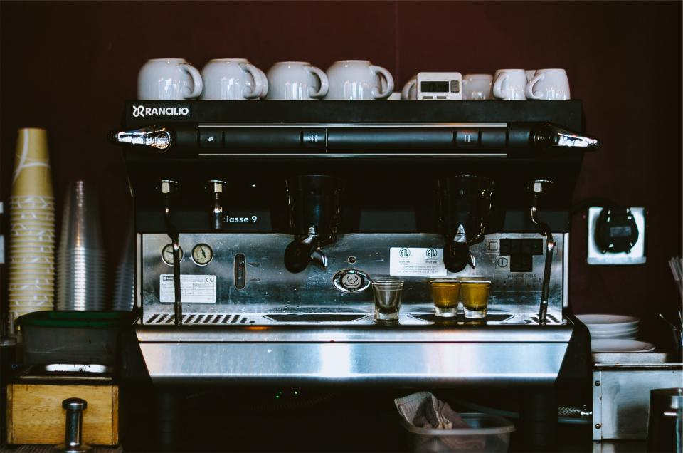 espresso machine coffee cafe restaurant cups equipment kitchen