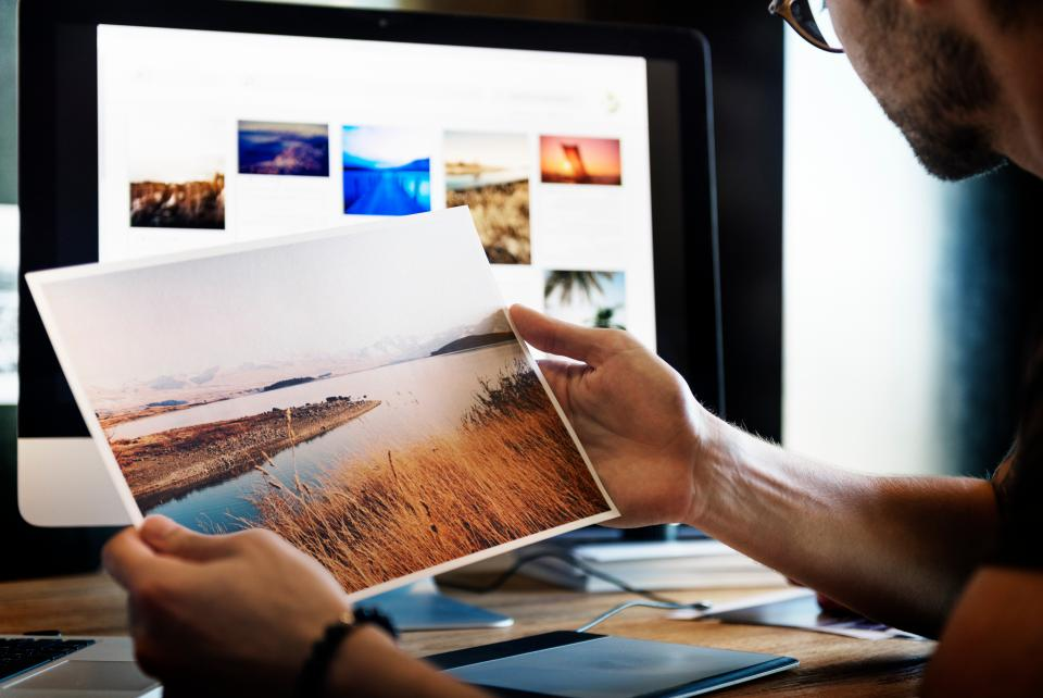 people man picture print nature photography office work table laptop mac apple art business