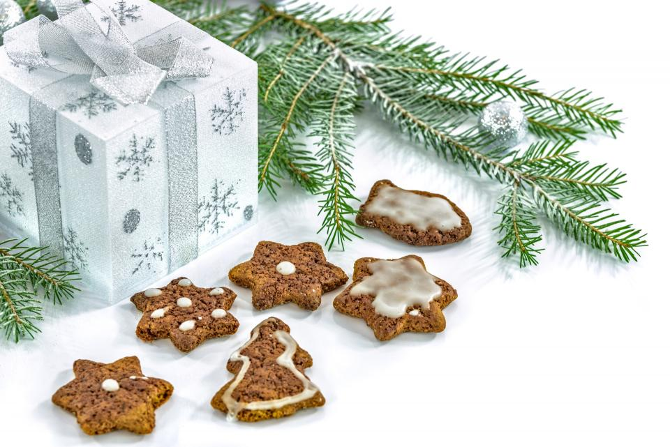 christmas trees gift box cookie food sweets pastry