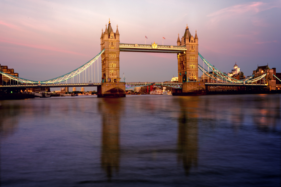 london bridge uk sunrise sunset england water river travel tourism reflection