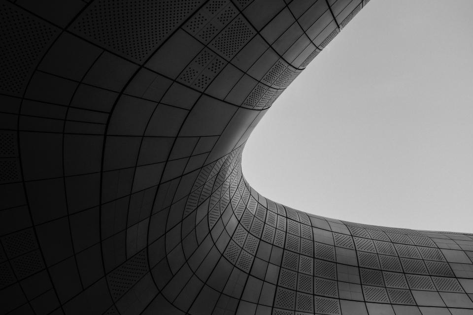 black curves lines dark architecture design art