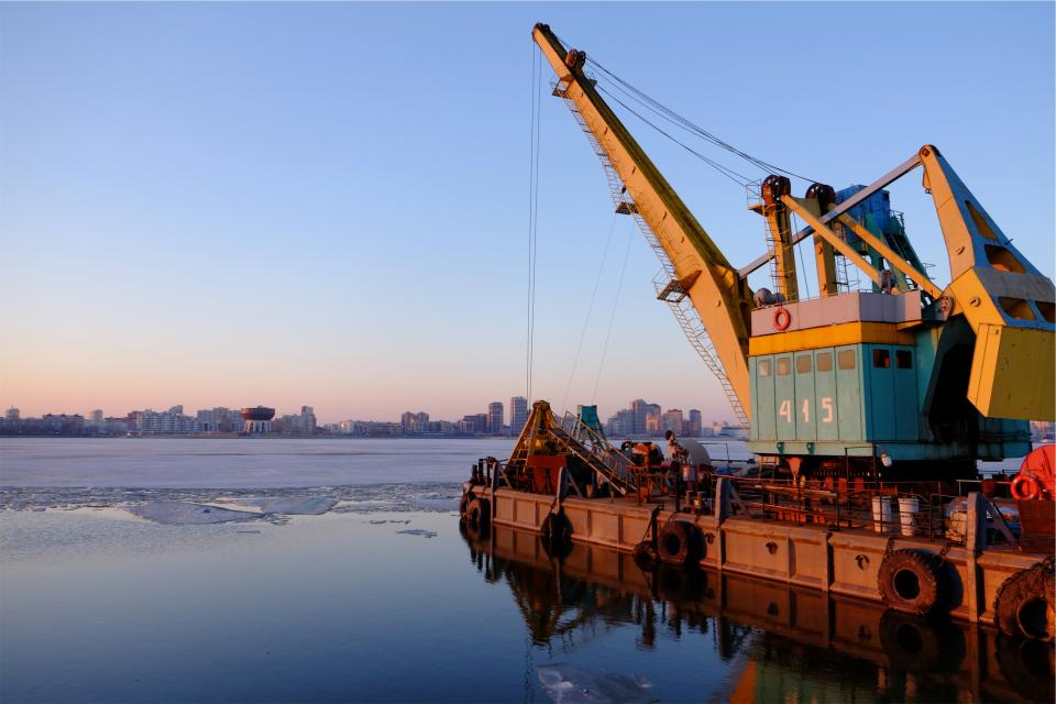 port harbor harbour equipment crane water frozen ice