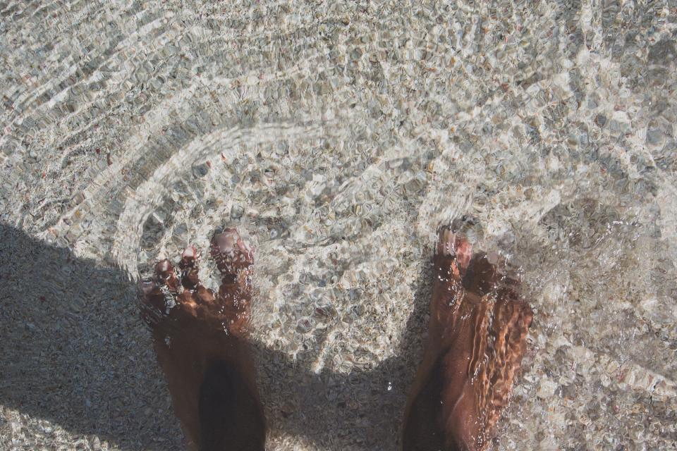 feet barefoot toes water beach sand summer ocean sea shore