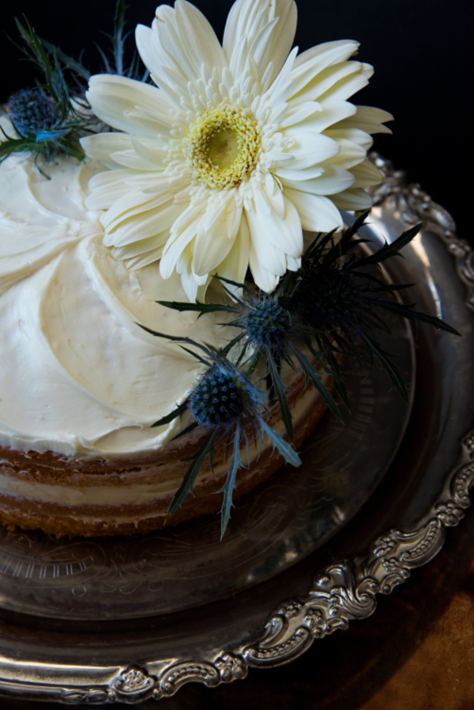 white cake flowers dessert tasty bakery baking bake tray silver food
