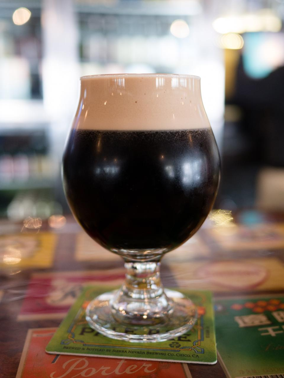 dark beer stout glass bar bokeh alcohol brew