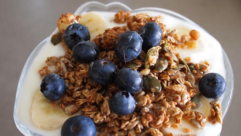 yogurt granola blueberries fruit parfait breakfast food healthy