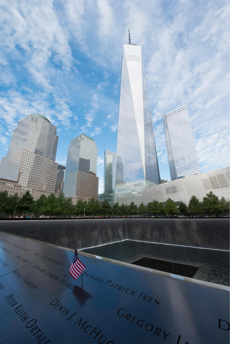 911 New York city twin towers NYC american flag USA buildings architecture memorial