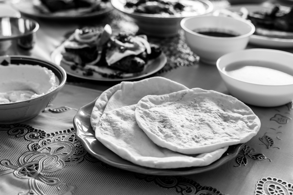 arabic baking closeup cookery cuisine culinary culture delicious dining dinner dinner table dish eat feast feasting flatbread food halal halal food home cooked islam islamic lebanese lunch meal menu middle eastern muslim nutrition party pi