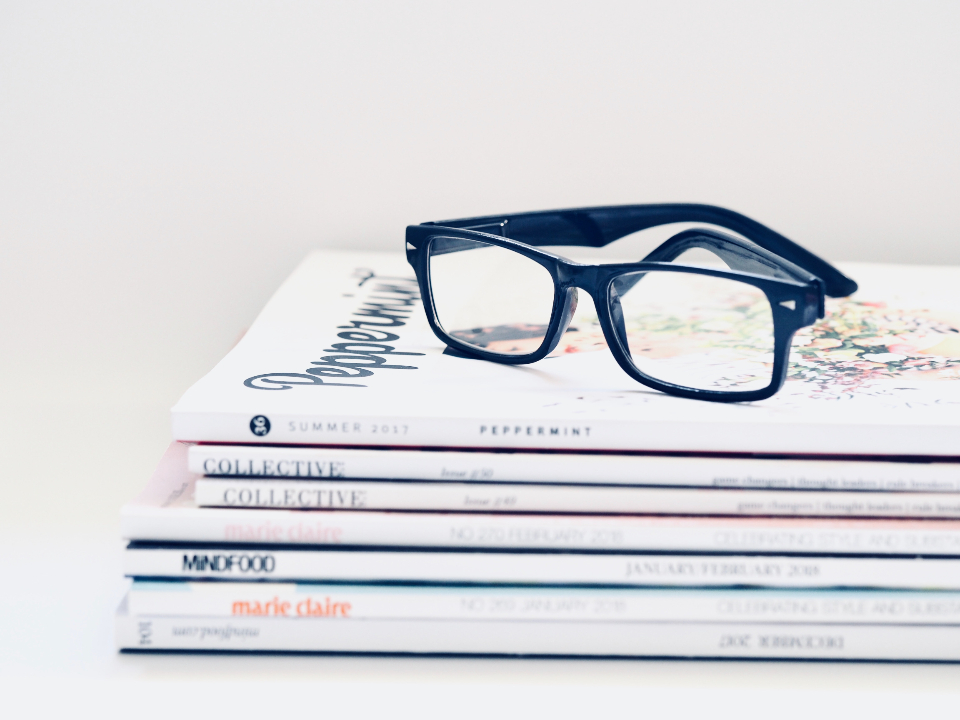 stack magazines glasses spectacles hipster read minimal white wallpaper