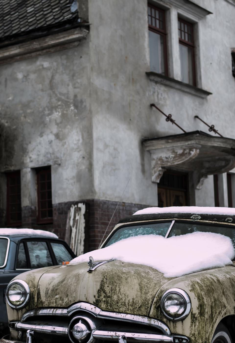 car snow cold winter windshield house building vintage