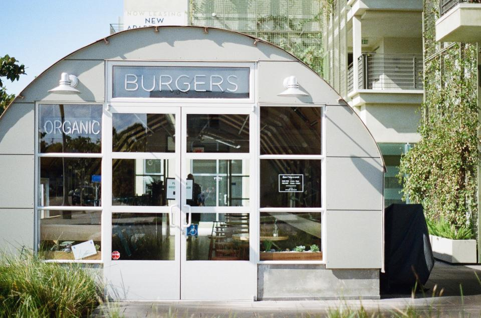 restaurant burgers organic windows eating white sunny santa monica