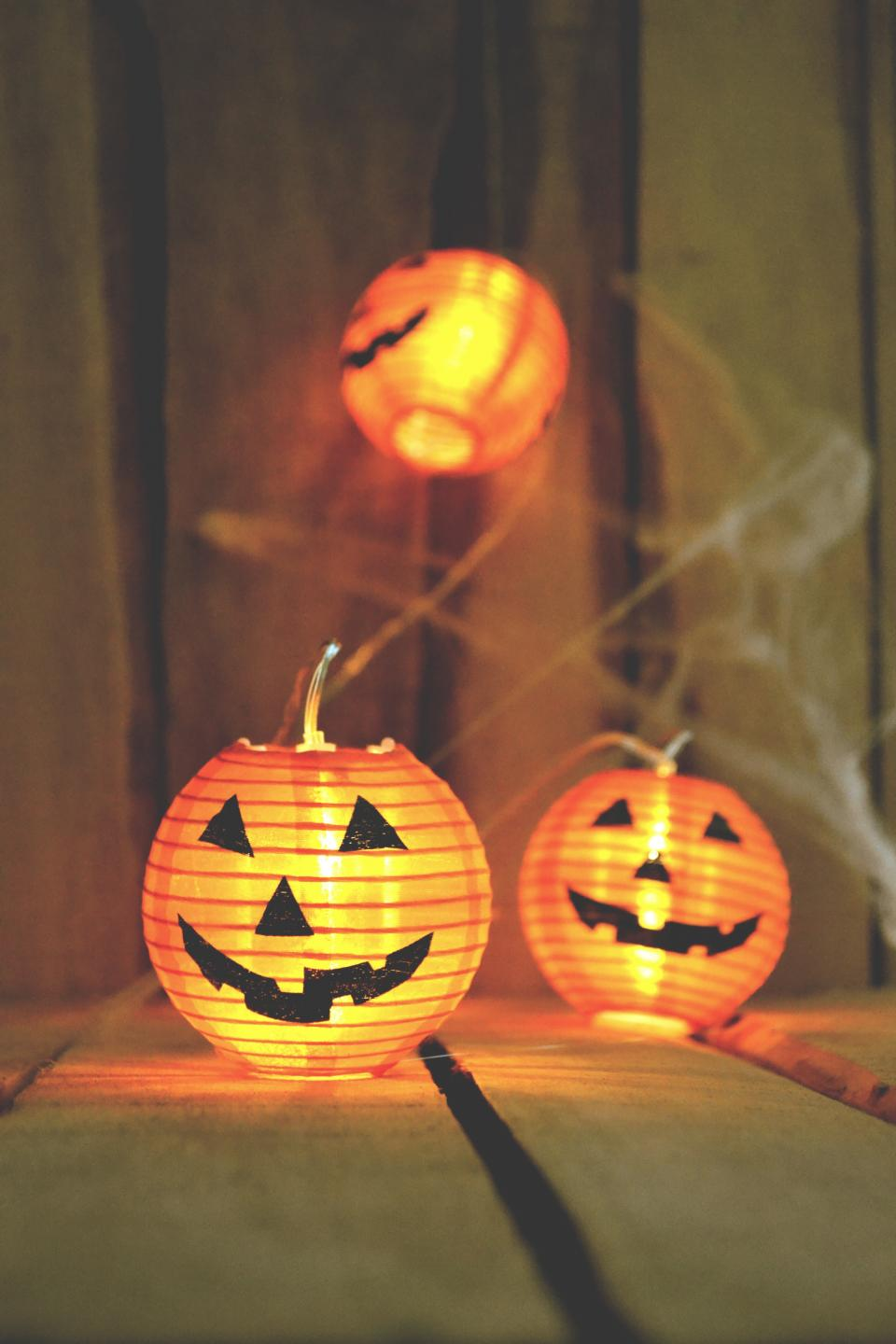 orange pumpkin halloween light night web wall floor
