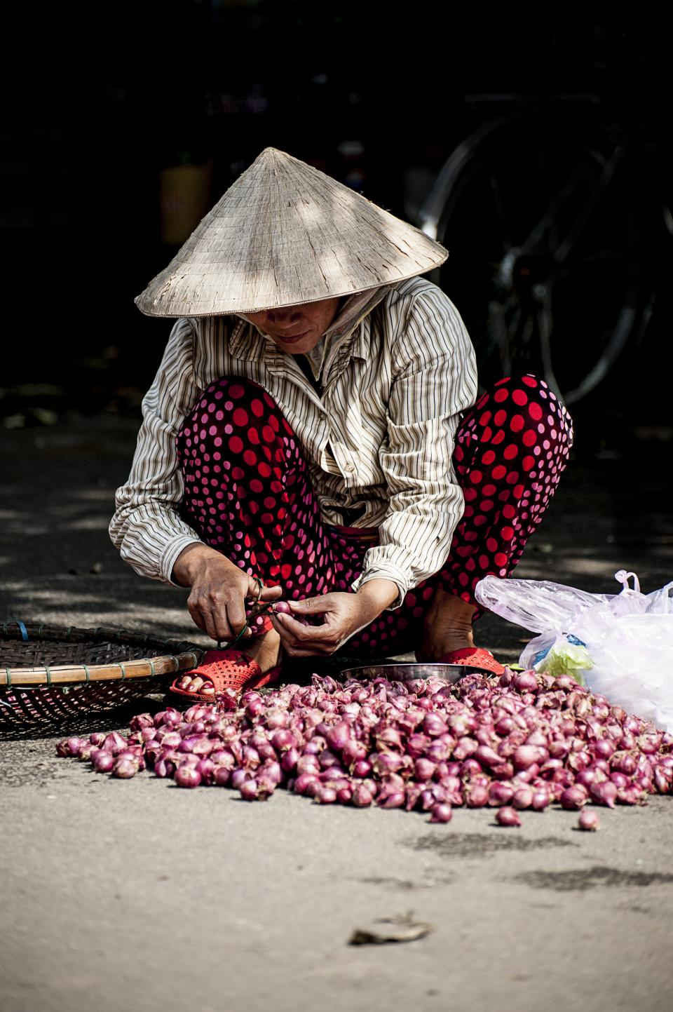 people woman labor onion poor sad vendor farmer