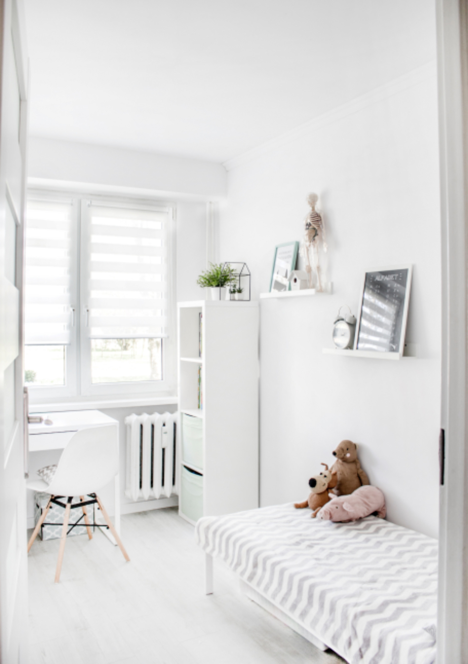 child bedroom white minimal teddy bear bed house window blinds chair moder contemporary mirror