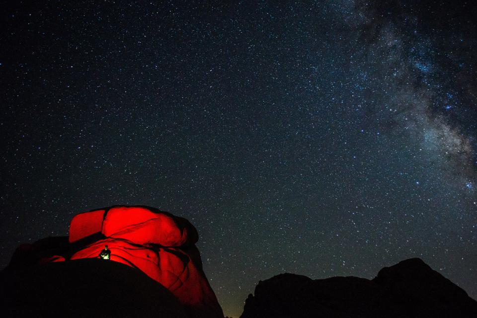 star night dark camp travel adventure mountain mountaineer astrophotography constellation