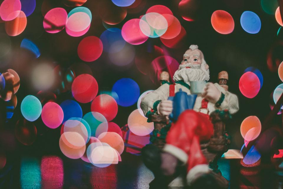 christmas lights bokeh santa claus toy decoration ornament