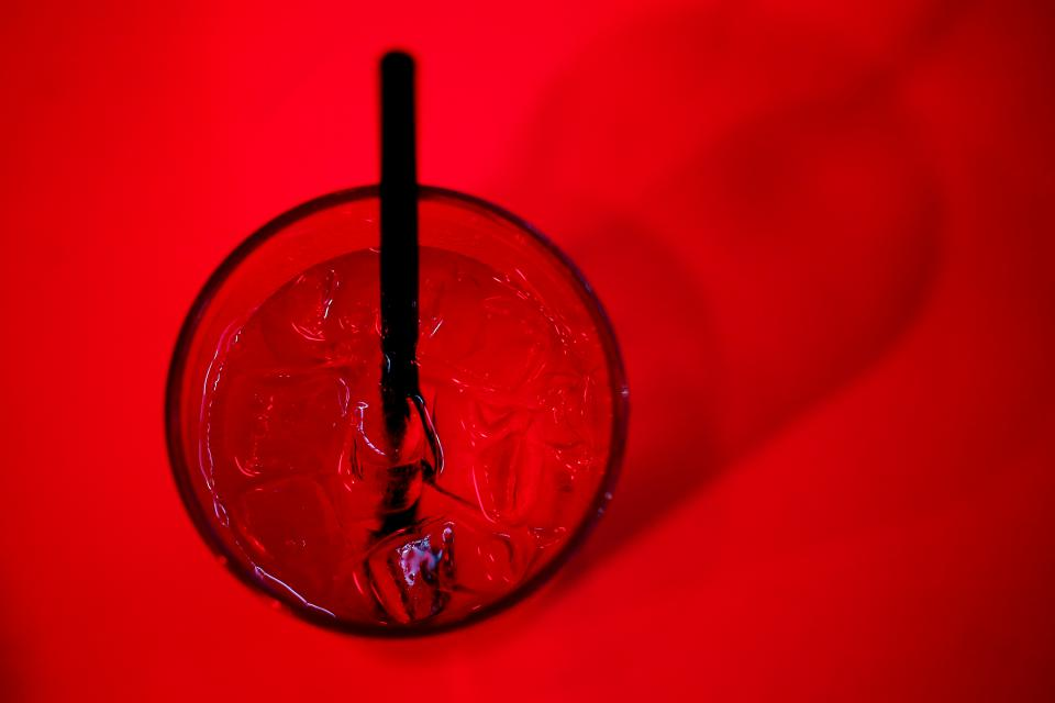 glass ice cubes ice drinks straw red